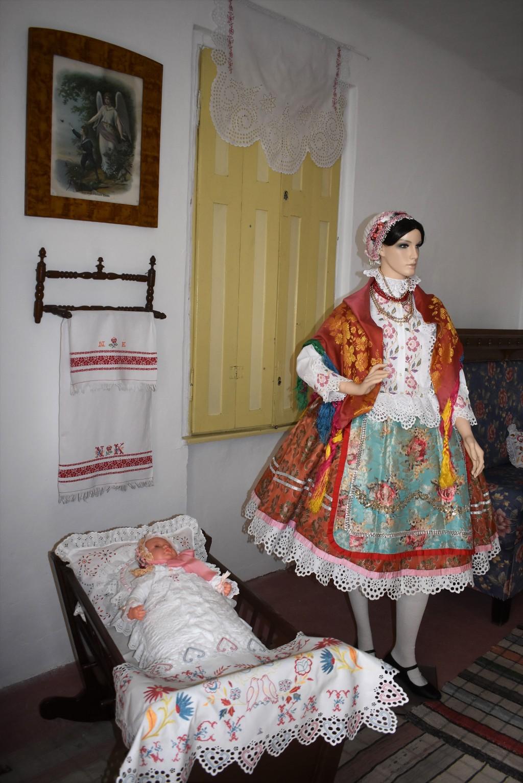 Nagy Kati néni- tisztaszoba-Doroszló
