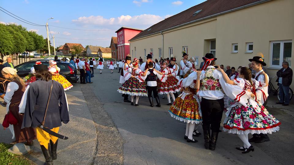 gombosiak, doroszlóiak tánca